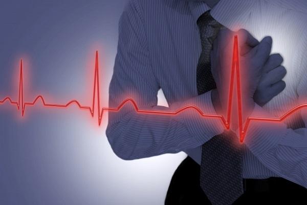 男性の心電図